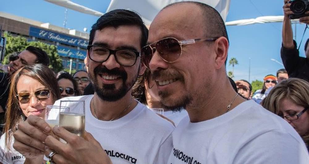 Coppia gay riesce ad adottare suo figlio 2